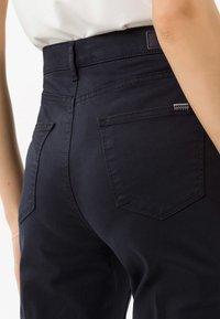 BRAX - STYLE MARY - Pantalon classique - perma blue - 4