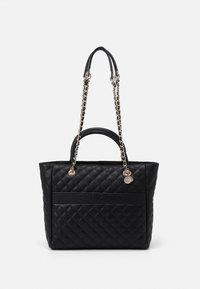 Guess - ILLY ELITE TOTE - Handbag - black - 0