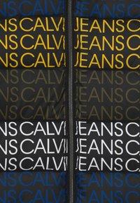 Calvin Klein Jeans - PUFFER - Zimní bunda - black - 3
