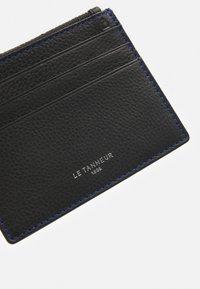 Le Tanneur - CHARLES - Wallet - noir/le bleu - 4