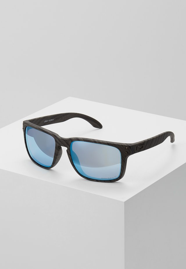 HOLBROOK XL - Sunglasses - prizm deep h2o polarized