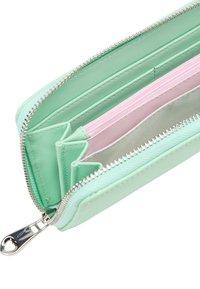 myMo - Wallet - mint - 3
