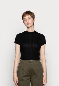 Cotton On - MOCK NECK TEXTURE SHORT SLEEVE - Print T-shirt - black - 0