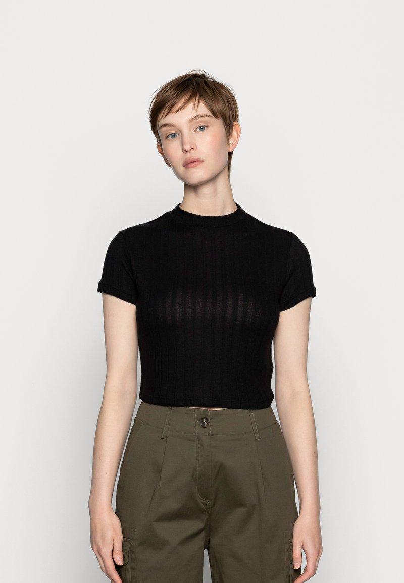 Cotton On - MOCK NECK TEXTURE SHORT SLEEVE - Print T-shirt - black