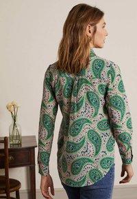 Boden - Button-down blouse - zartrosa trendiges paisleymuster - 2
