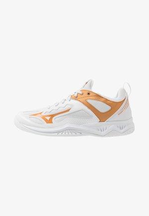 GHOST SHADOW - Handball shoes - nimbus cloud/white