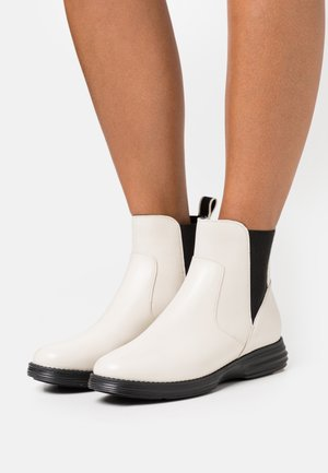 ORIGINALGRAND CHELSEA BOOTIE - Classic ankle boots - ivory/black