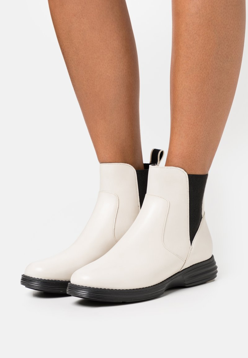 Cole Haan - ORIGINALGRAND CHELSEA BOOTIE - Classic ankle boots - ivory/black