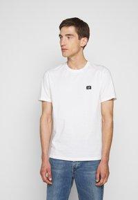 C.P. Company - SHORT SLEEVE - Basic T-shirt - gauze white - 0