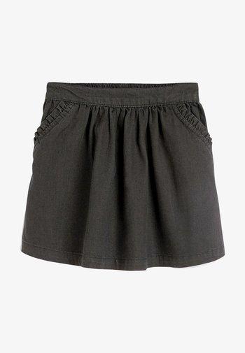 Áčková sukně