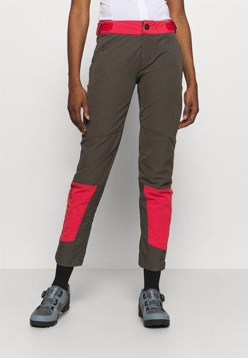 PANTS SHELTER - Długie spodnie trekkingowe - root brown