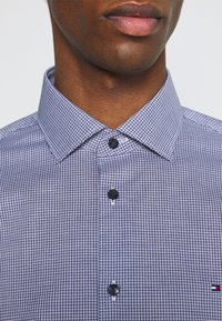 Tommy Hilfiger Tailored - MINI CHECK SLIM FIT - Shirt - navy/white - 4