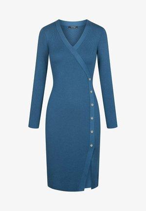 MIT V-AUSSCHNITT - Jumper dress - royal blue