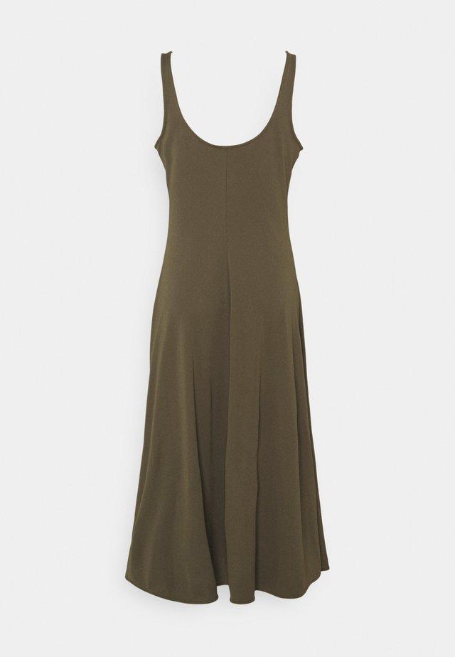 MATTE - Sukienka z dżerseju - expedition olive