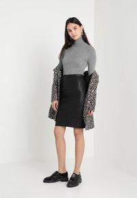 DAY Birger et Mikkelsen - PLONGY - Pencil skirt - black - 1