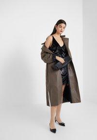 J Brand - BRIELLE SLIP DRESS - Vestito estivo - black - 1