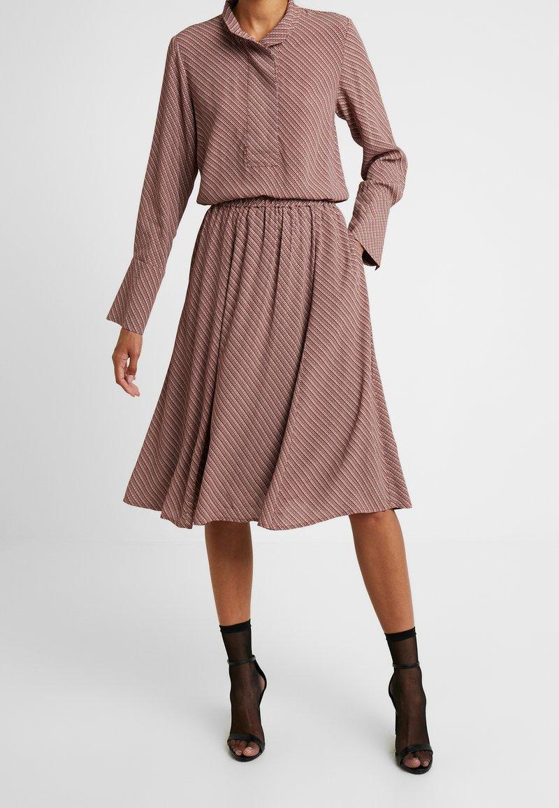 And Less - ABIRA SKIRT - A-line skirt - henna