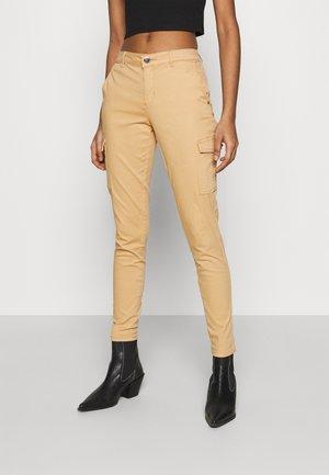ONLNEW COLE MIRINDA PANT - Pantalon cargo - tan