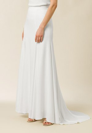 MIT SCHLEPPE - Maxi skirt - snow white