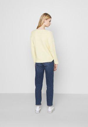 ONLCLARA BOATNECK - Jumper - pastel yellow