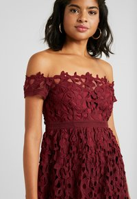 Chi Chi London - LIZANA DRESS - Cocktail dress / Party dress - burgundy - 4