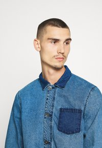 Redefined Rebel - EARL WORKER JACKET - Denim jacket - light blue - 3