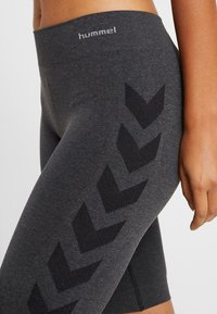 Hummel - SEAMLESS CYCLING - Sports shorts - black melange - 4