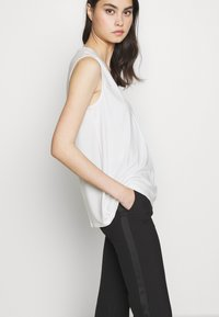 WEEKEND MaxMara - Top - white - 3