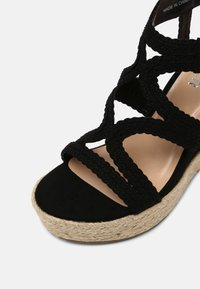 Bullboxer - taupe - High heeled sandals - black - 5