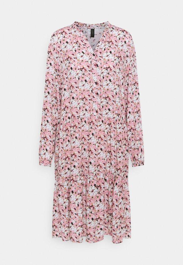 OPHIRA - Korte jurk - dark pink rose combi