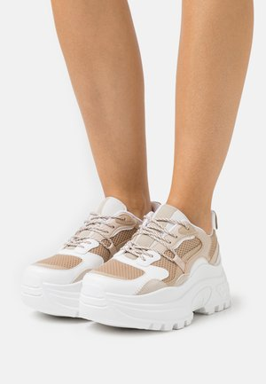 CAMMIE CHUNKY TRAINER - Sneakers - natural