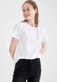 DeFacto - PACK OF 2 - Basic T-shirt - karma - 8