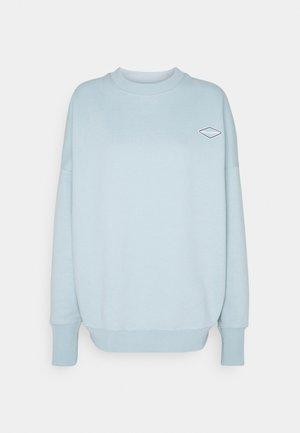 LOGOCOLLAGECREWNECK - Sweatshirt - gloryblue