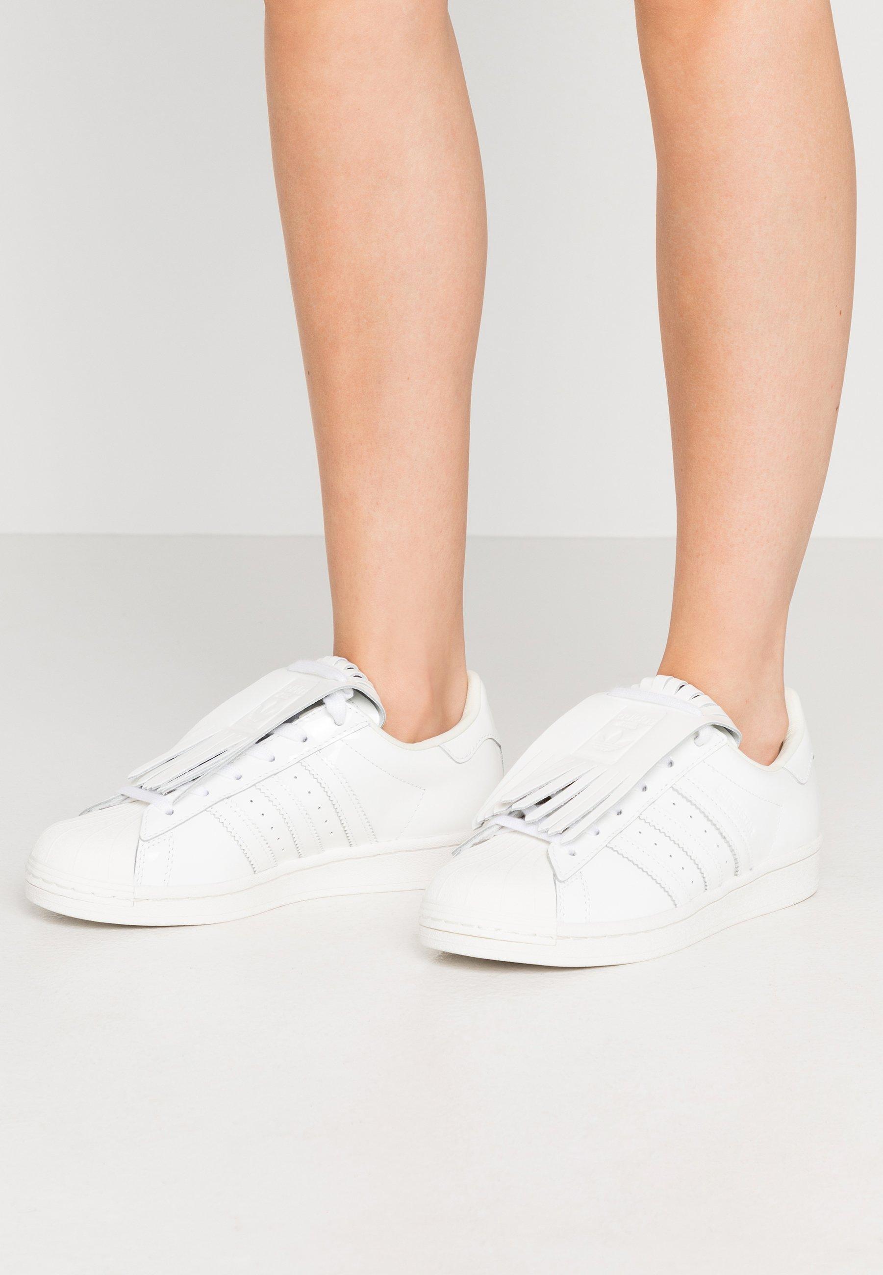 Gutes Angebot adidas Originals SUPERSTAR - Sneaker low - footwear white/offwhite/gold metallic | Damenbekleidung 2020