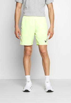 RUN SHORT - Pantalón corto de deporte - lime ice/black