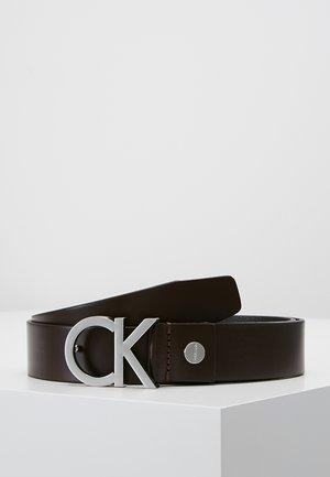 BUCKLE BELT - Belt - brown