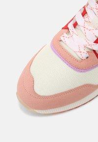 Scotch & Soda - VIVI - Sneakers laag - pink - 5