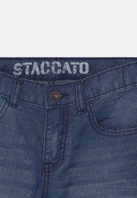Staccato - BERMUDAS - Denim shorts - light blue denim - 2