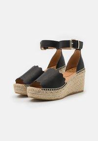Kanna - CAPRI - Platform sandals - schwarz - 2