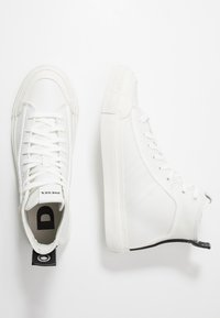 Diesel - S-ASTICO MID LACE - Sneakers alte - star white - 1