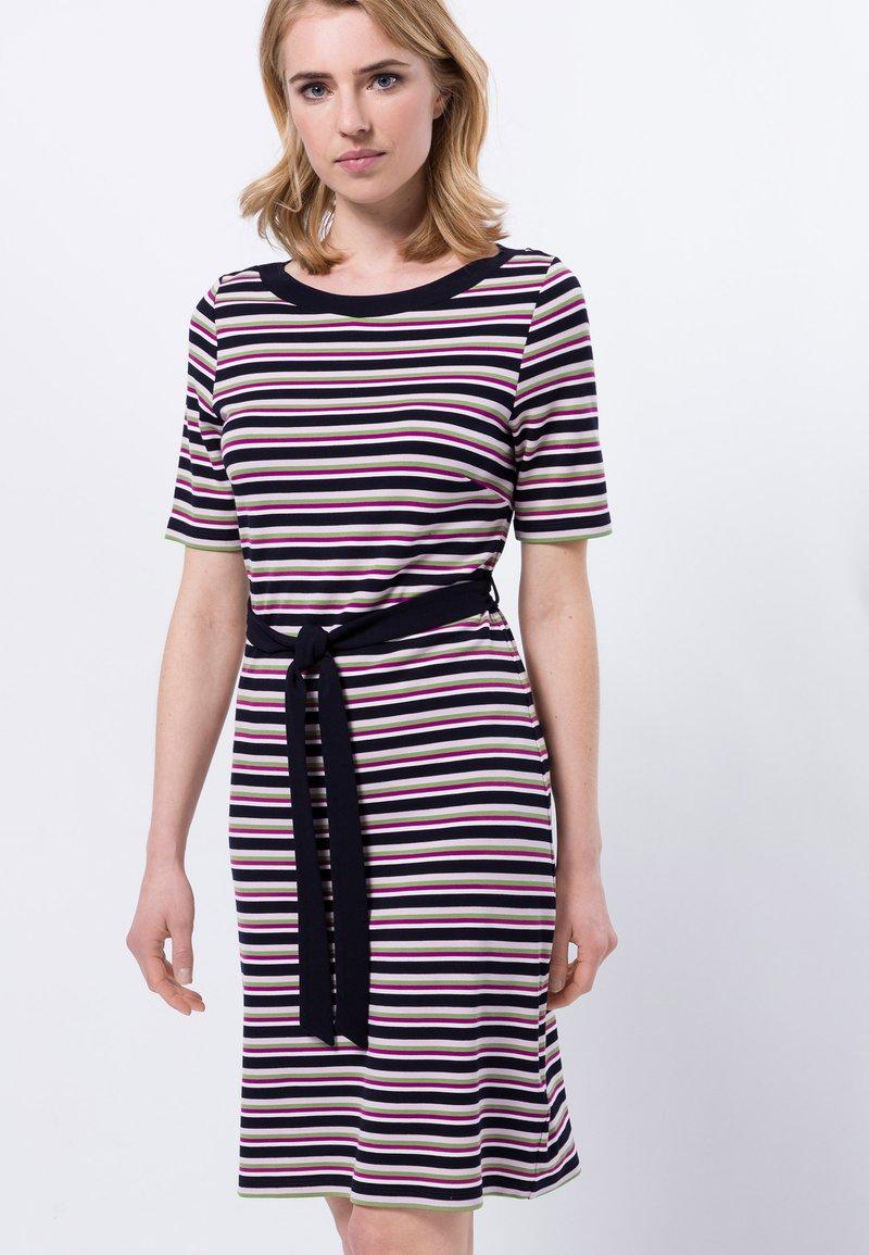 zero - Shift dress - magenta rouge