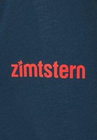 Zimtstern - PUREFLOWZ MENS - Sports shirt - jester red/french navy - 2
