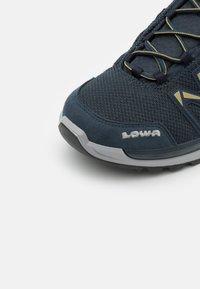 Lowa - INNOX PRO  - Chaussures de marche - stahlblau/senf - 5