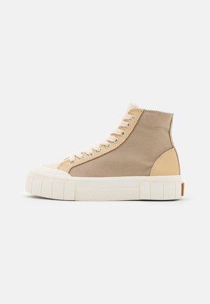 PALM VEGEA UNISEX - Sneakersy wysokie - beige