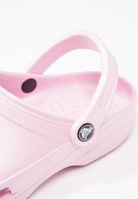 Crocs - CLASSIC - Pantofole - ballerina pink - 6
