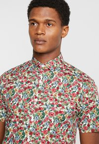 Lindbergh - PRINTED SHIRT  - Skjorter - red - 3