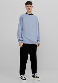 Bershka - Straight leg jeans - black - 1