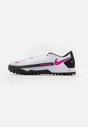 REACT PHANTOM GT PRO TF - Scarpe da calcetto con tacchetti - white/pink blast/black