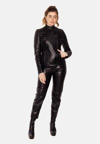 LEATHER HYPE - ÉLYSÉE PERFECTO - Leather jacket - black - 6