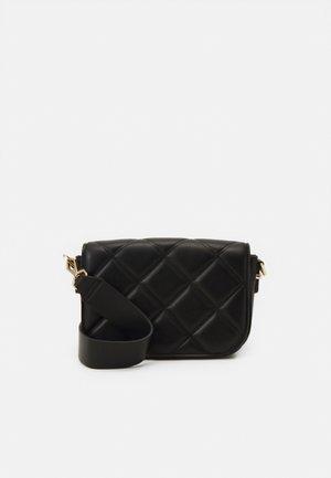 RILEY QUILTED SADDLE BAG - Across body bag - black
